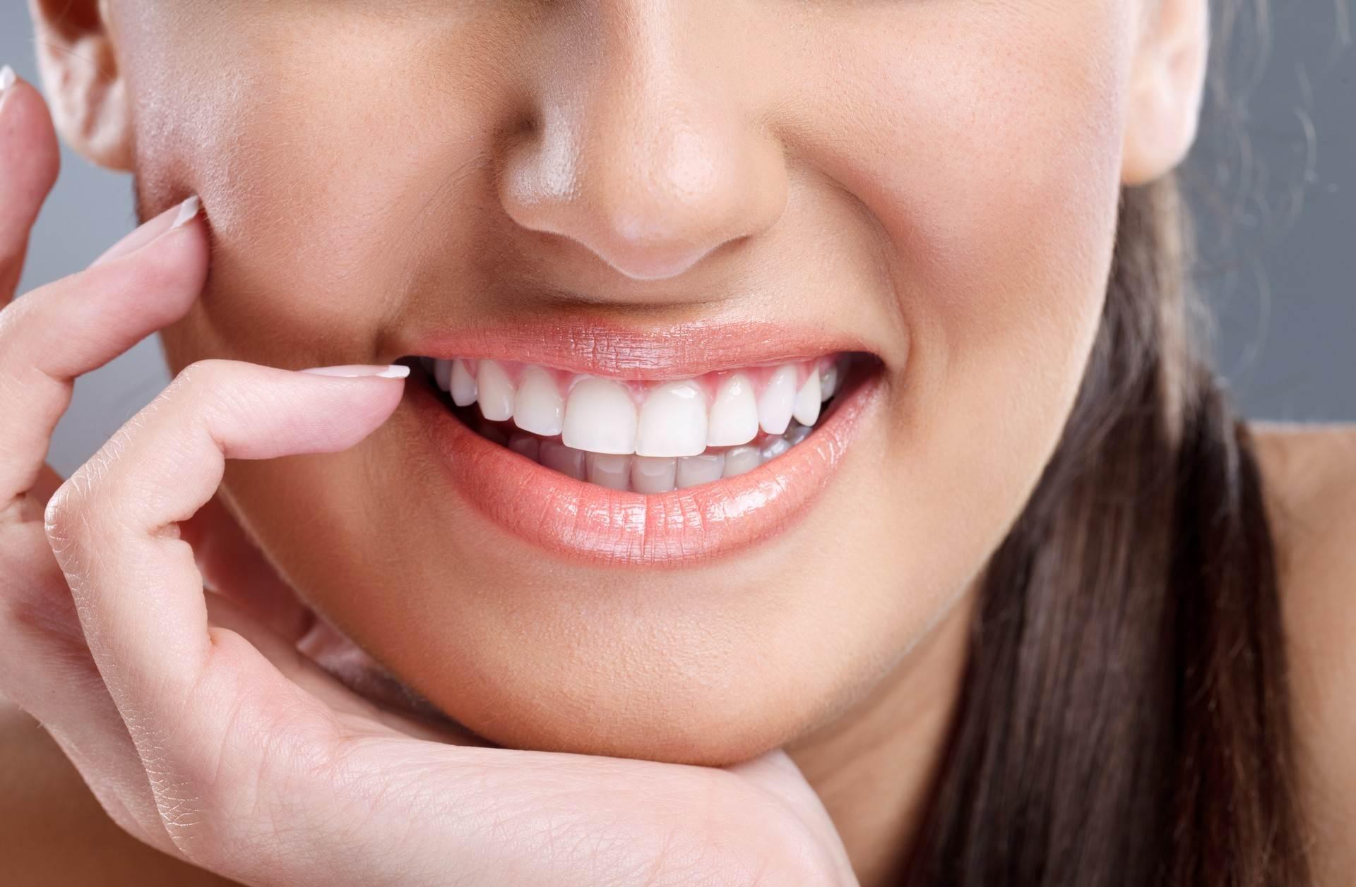 انتفاخ الخد بعد زراعة الأسنان